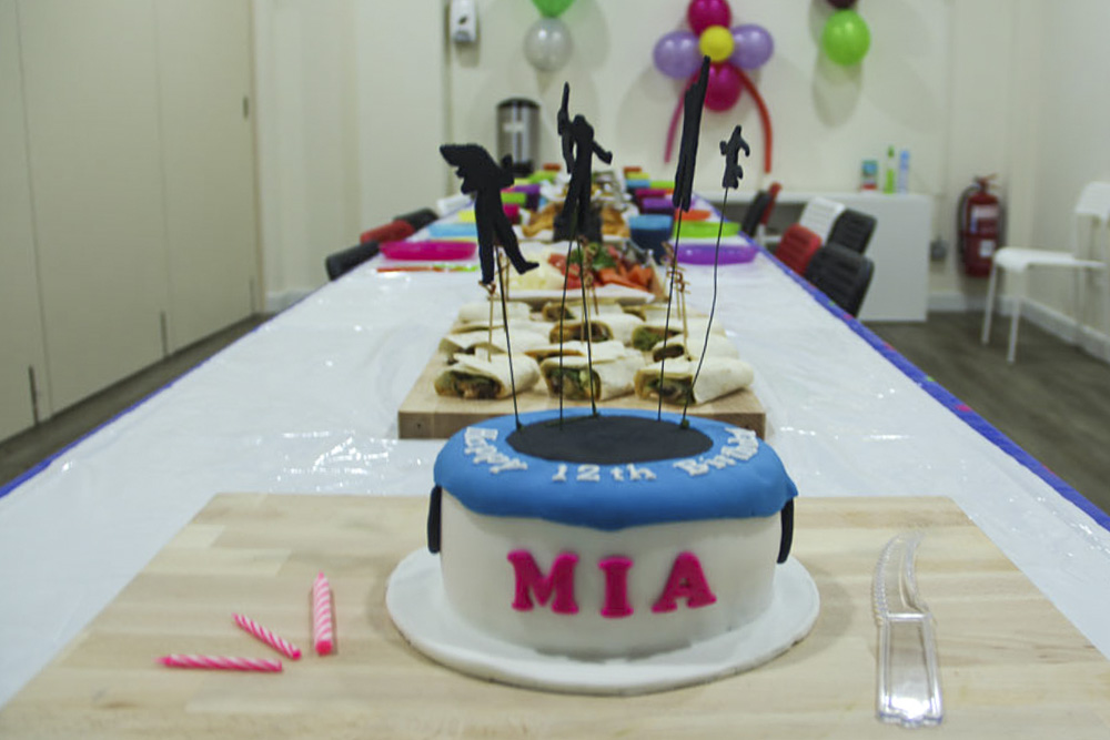 jump-street-birthday-party-cake-and-decorations-a