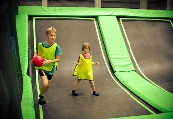 jump-street-birthday-party-boy-girls-jumping-playing-dodgeba
