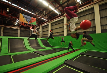jump-street-dodgeball-group-playing